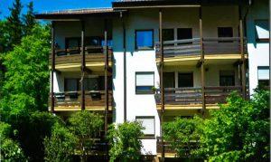 Schöne, sonnige 3,5 Zimmer Wohnung in Neuenbürg